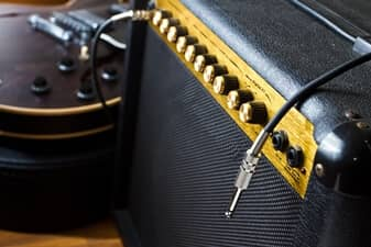4 Tips to Make Your Guitar Amp Sound Great