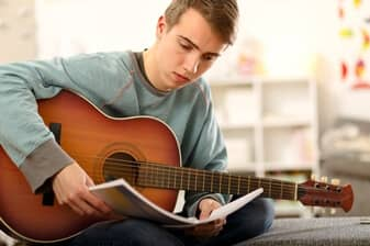 12 Tips for the Self Taught Guitar Player